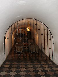 Crypts of the Wawel Cathedral (98).JPG