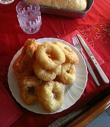 Un piatto di cuddrurieddri cosentini