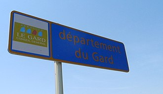 Gard - Signpost welcoming travellers into the Gard, at Beaucaire