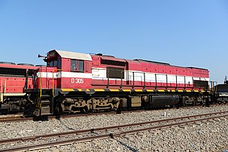 EMD GT22 Series - Loco D-305 (Typ GT22LC-2) at 23. August 2018 in station Caia (Mosambique)