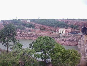 Dam across river Malaprabha.jpg