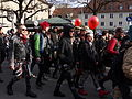 Demonstrationsteilnehmer in bunt (12270095314).jpg