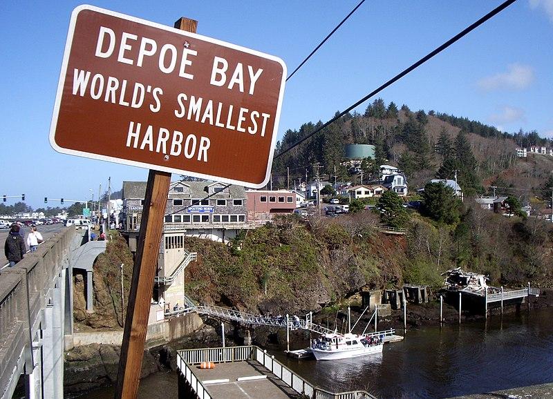 Depoe Bay entrance sign P1905.jpeg