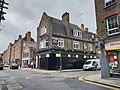 Derelict pub in Shoreditch.jpg