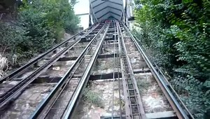 File:Descenso en ascensor el Peral, Valparaíso.webm