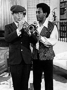 Cosby e Dick Van Dyke durante uno speciale televisivo della NBC.