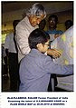 Dr.Abdul Kalam Appreciating Mohamed Ashik.jpg