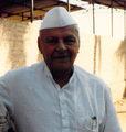 Dr. Manibhai Desai in December 1990 at Uruli Kanchan.png