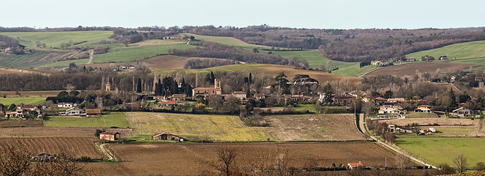 English:  Drudas, Haute-Garonne, France, view from Pelleport.