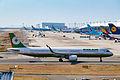 EVA Airways, Airbus A321-211(WL), B-16208 (23336270179).jpg