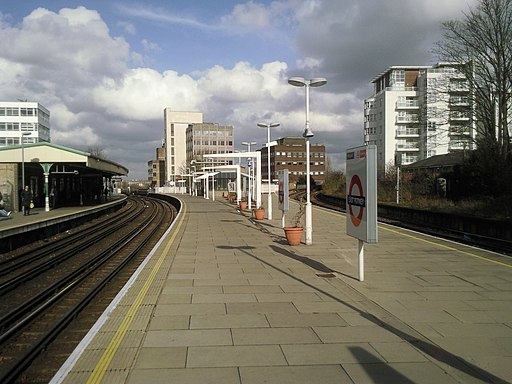 East Putney station - geograph.org.uk - 2301862
