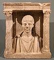 Edicola con busto di ragazzo, 100-120 dc ca.jpg