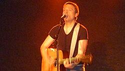 Elias '(chanteur français) au Sentier des Halles à Paris.JPG