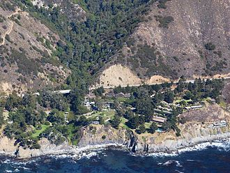 Esalen Institute - Esalen buildings and hot springs