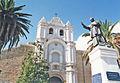Estatua del obispo al frente al convento de Santa Teresa, construido en 1760.jpg