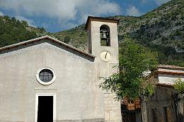 Esterno chiesa Fiamignano.jpg