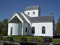 Farstorps kyrka i solsken.jpg