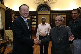Pranab Mukherjee - Finance Minister of India Pranab Mukherjee with President of the World Bank Group Jim Yong Kim at Ministry of Finance HQ at New Delhi in 2012