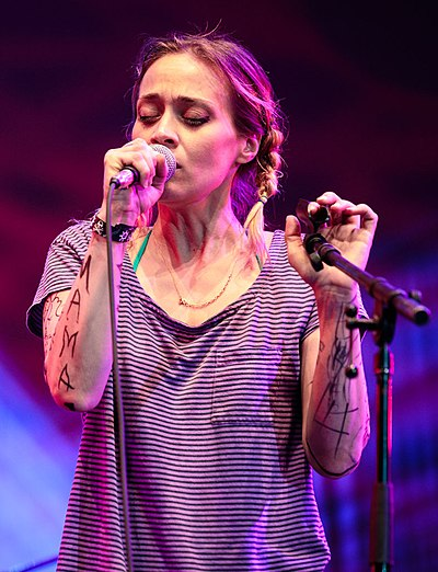 Picture of a band or musician: Fiona Apple