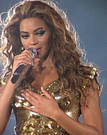Beyoncé performing in Newcastle in 2009.