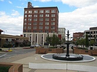Springfield, Ohio - Fountain Square, Arcue Building in background.