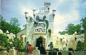 Haunted Castle (Six Flags Great Adventure) - Image: GA HH postcard front