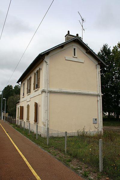 File:Gare de Chantenay-St Imbert.jpg