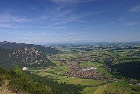 Ein Blick vom Breitenberg auf die Gemeinde Pfronten
