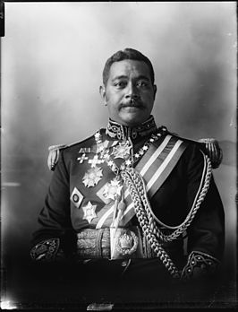 George Tupou II, photograph by Herman John Schmidt.jpg