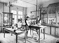 Gfa 16 70-0002 Hauptarbeitsraum Labor.jpg