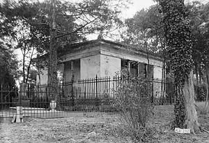 Glover Mausoleum - Image: Glover Mausoleum Marengo Alabama 2