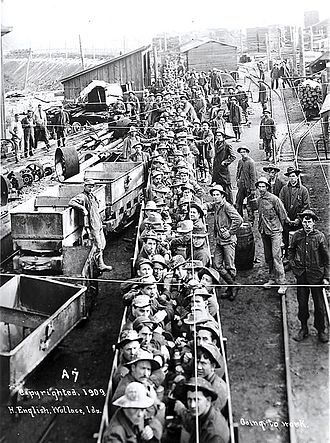 Silver Valley (Idaho) - Miners going to work in 1909, Silver Valley