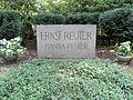 Grabstein Potsdamer Chaussee 75 (Niko) Ernst Reuter.jpg