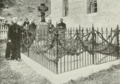 Grave of Father Damien.png
