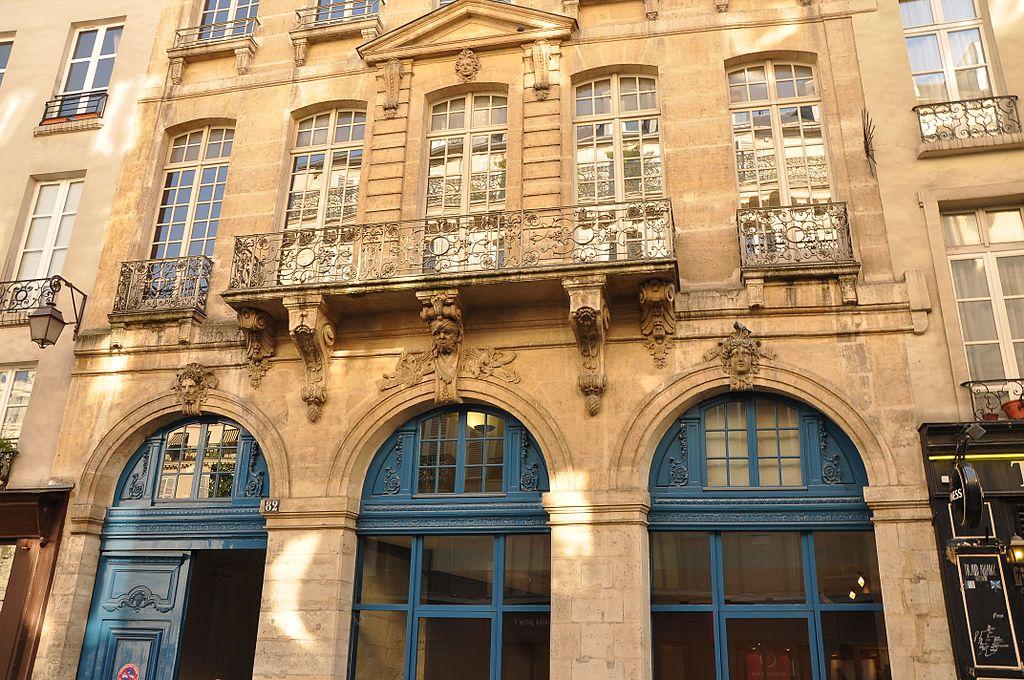 h tel du pr sident h nault located at 82 rue fran ois miron in 4th district of paris built. Black Bedroom Furniture Sets. Home Design Ideas