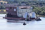 HMS Prince of Wales LB04 Move (20447365938).jpg
