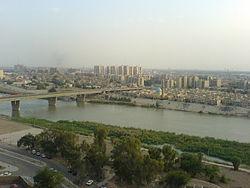 底格里斯河流经巴格达