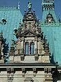 Hamburger Rathaus Ostseite nördliche Ecke.jpg