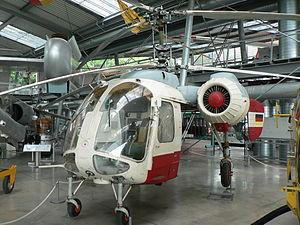 Вертолеты России 300px-Helicopter_Kamov_Ka-26_cockpit
