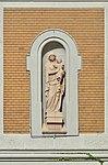 Herz-Jesu-Krankenhaus, Vienna - statue of Virgin Mary.jpg
