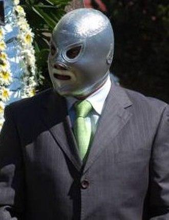 El Hijo del Santo - Silver Mask and suit.