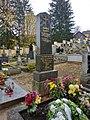Hrob rodiny Ševcových na třešťském hřbitově.jpg
