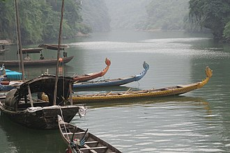 Hubei - Boats on the Yangtze River, upstream from the Three Gorges