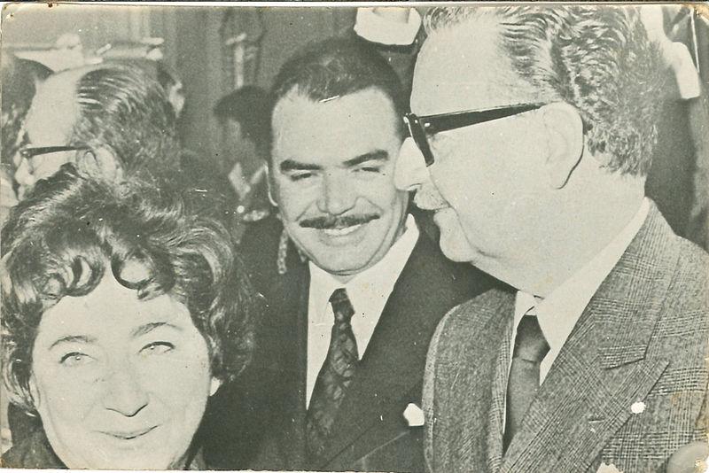 File:Humberto Martones junto a Salvador Allende.jpg