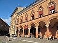 I portici su piazza Santo Stefano.JPG