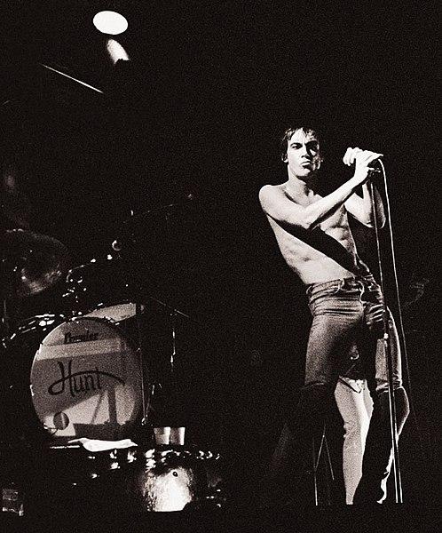 Ficheiro:Iggy-Pop 1977.jpg