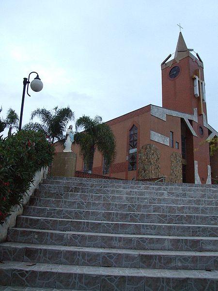 Ficheiro:Igreja Matriz de Almirante Tamandaré Paraná Brasil.JPG