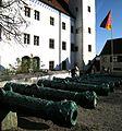 Ingolstadt - Neues Schloss mit Kanonen.jpg