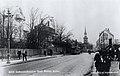Innherredsveien med Bakke kirke i bakgrunnen (ca 1930) (8691603405).jpg