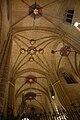 Interior catedral pamplona crucero.jpg